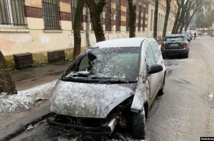 Прокуратура установила виновных в поджоге автомобиля журналиста
