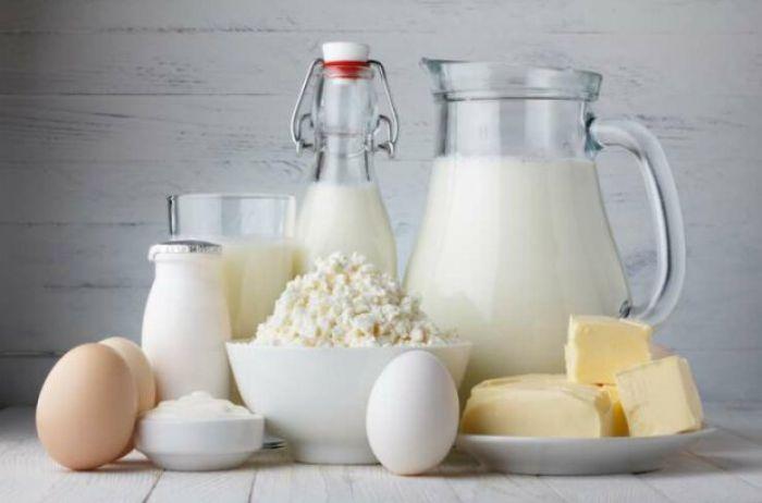 Ученые сообщили, стоит ли пить молоко взрослым