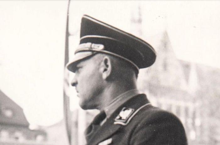 В Сети появились неизвестные ранее фото Адольфа Гитлера