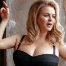 «Три подбородка и уютное пузико»: в Сет показали, как на сам ом деле выглядит Анна Семенович