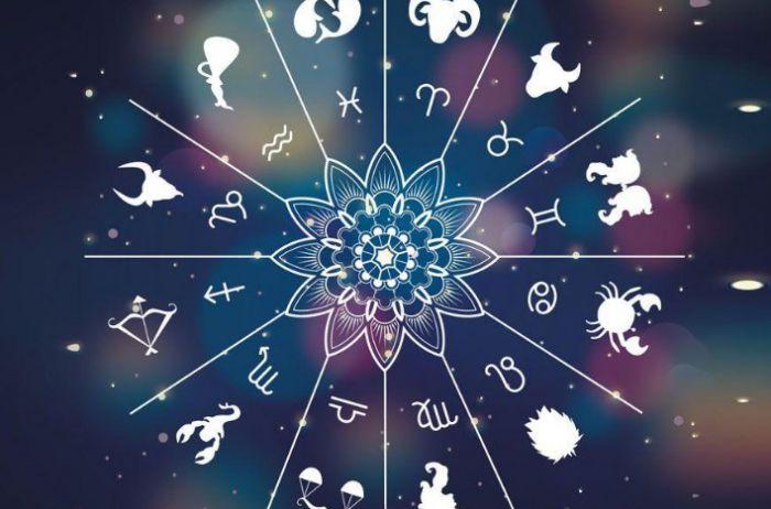 У Раков – хороший день для новых знакомств: гороскоп на 23 февраля