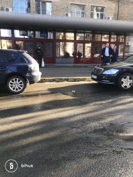 Ахметов возле НАБУ: зачем олигарх приезжал в антикоррупционное бюро. ФОТО
