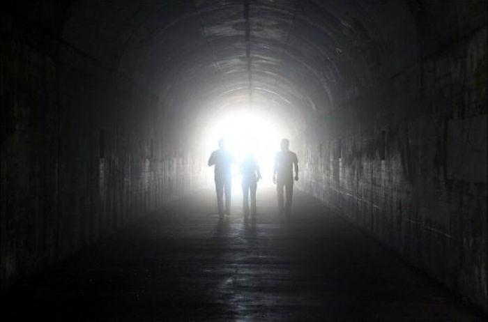 Загадка света в конце туннеля разгадана учеными