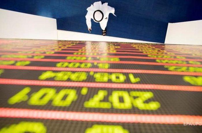 Цена на нефть продолжает стремительное пике: Brent торгуется на уровне $33