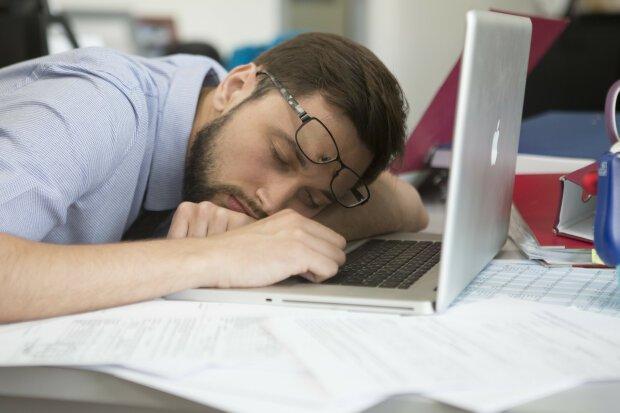 Этот блогер заработал $5000 во время сна в прямом эфире