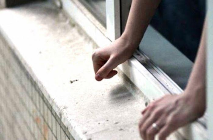 ЧП в больнице Киева: из окна 12 этажа выпал пациент