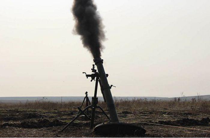 На Донбассе позиции ВСУ попали под минометный огонь: ранены двое военных