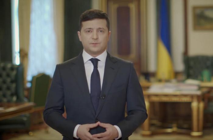 Зеленский обещает помочь материально некоторым украинцам, и это не пенсионеры