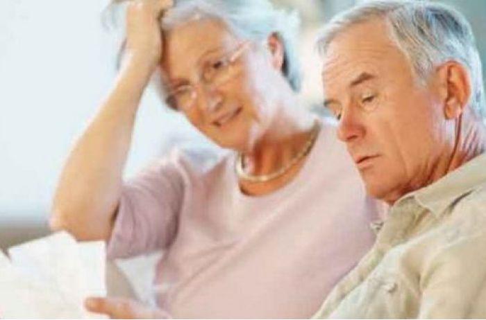 Повышение пенсии в два этапа: кому Шмыгаль доплатит 500, а кому 1000 гривен