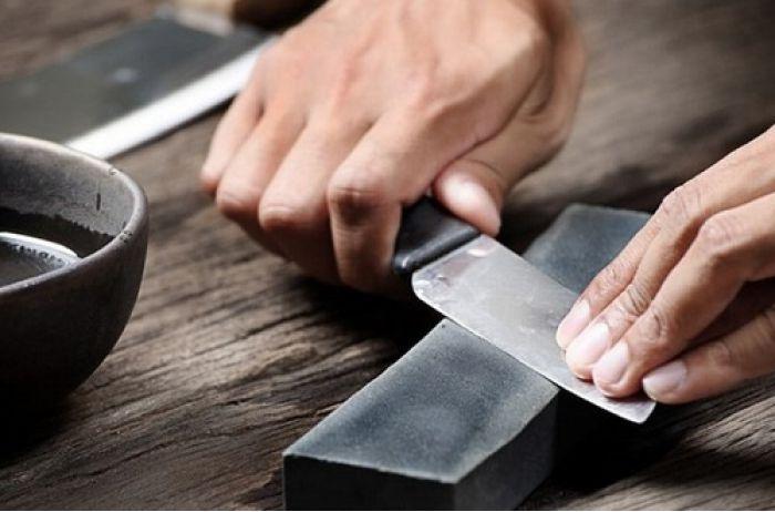 Ножи как бритва: как заточить, подсказывает мастер. ВИДЕО
