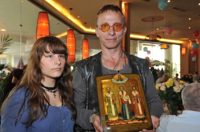 Дочь Охлобыстина заболела коронавирусом: актер в опасности