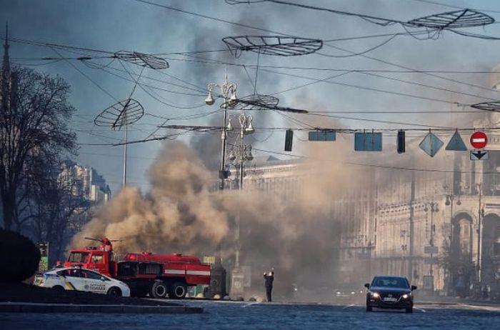 Горит подземный Киев: центр столицы в дыму. ФОТО, ВИДЕО