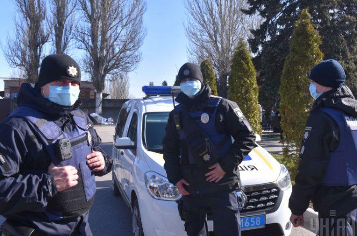 Не одел маску - заплати: полиция начала штрафовать за нарушения, составлено 192 протокола