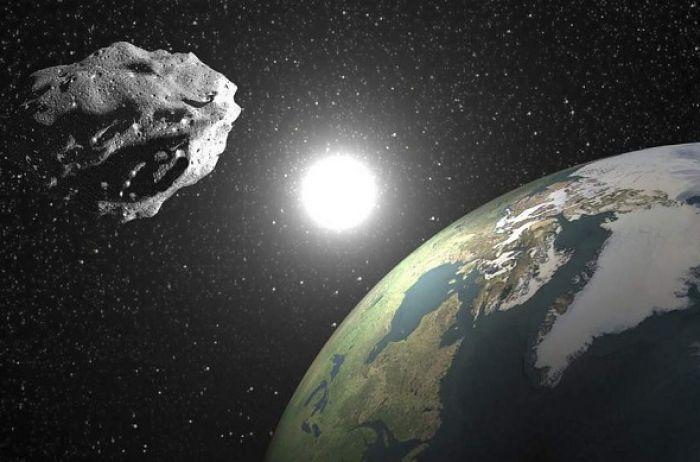 Астероид, который летит к Земле, можно будет разглядеть в бинокль