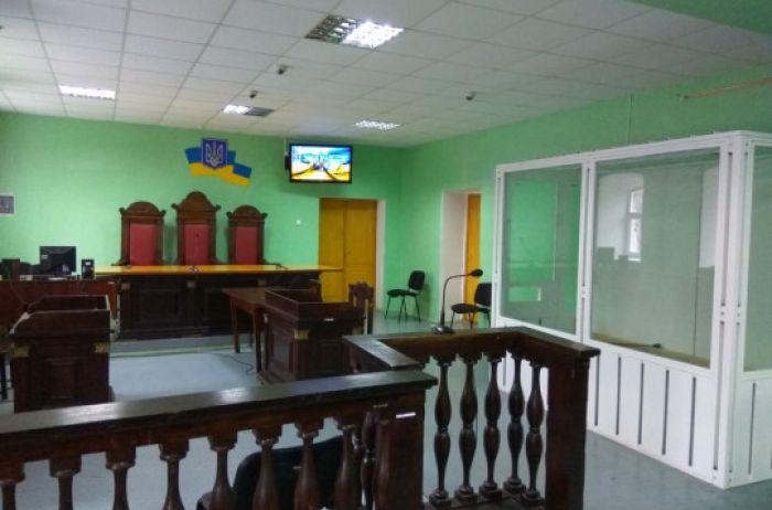 Переполох в суде на Черниговщине: у подозреваемого обнаружили коронавирус
