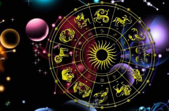 За что бы ни взялись Весы, всё сладится: гороскоп на 15 мая