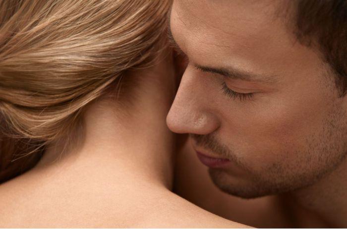 Запахи женского тела, которые больше всего возбуждают мужчин