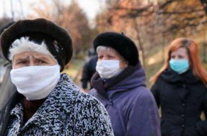 В маске до зимы: вирусолог назвал сроки второй волны COVID-19 в Украине