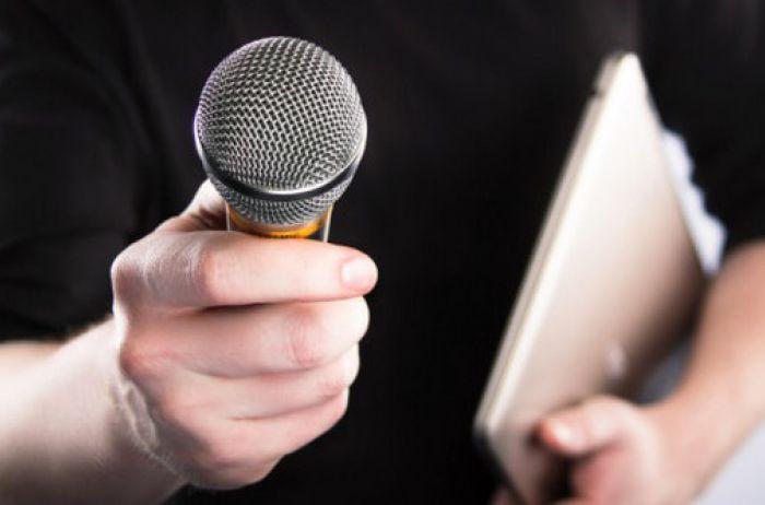 Будет как у Путина: у Зеленского хотят ограничить число журналистов