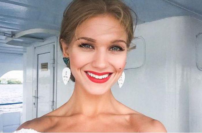 Кристина Асмус не побоялась показать честный снимок без макияжа