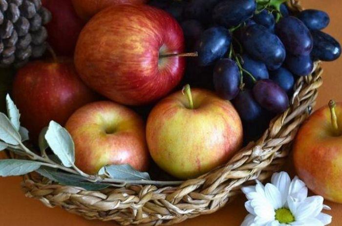 Назван фрукт, который способен замедлить старение