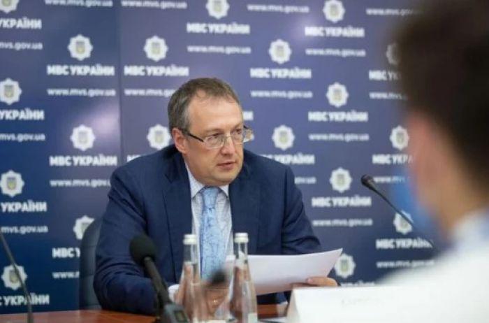 Геращенко обещает пронумеровать всех бойцов Найгвардии