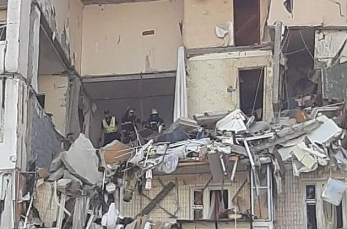 Кличко: Девятиэтажку на Позняках демонтируют, жильцов поселят в интернат