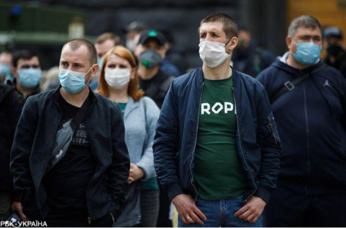 После трехдневной передышки коронавирус с новой силой ударил по Украине