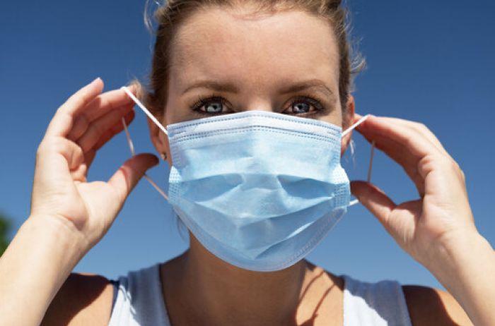 В маске при +40: эпидемиолог открыто заявил, что никто не выдержит, и это проблема для Украины