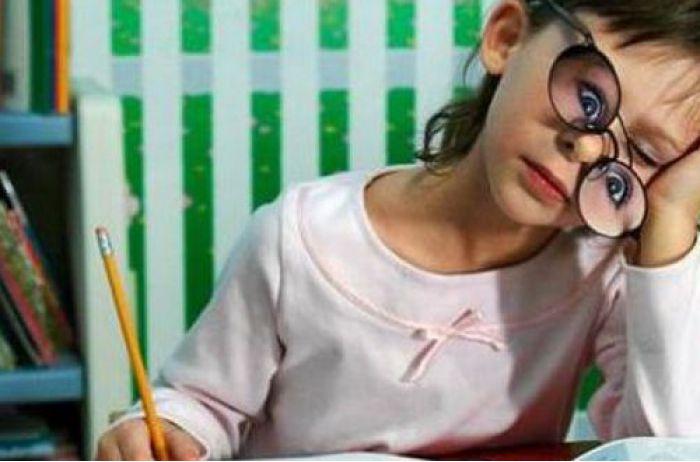 Школьники осенью могут не вернуться за парты: в СНБО готовятся к худшему