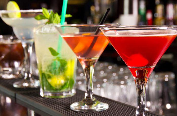 Печень высохнет: любимый алкоголь женщин назван самым вредным напитком