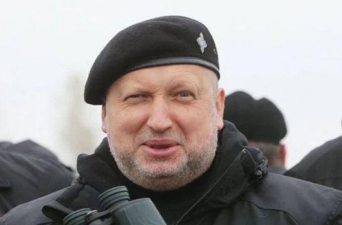 «Кровавый пастор» вернулся. Турчинов примкнул к Порошенко и передал пламенный привет Зе