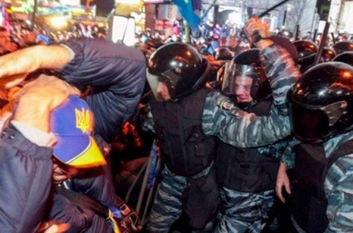 Два экс-беркутовца ответят перед судом за силовой разгон студентов на Майдане