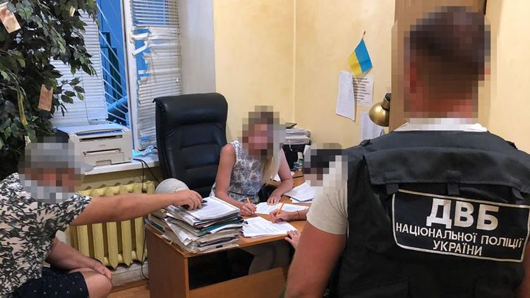 В Одессе инспектора ювенальной превенции подозревают в надругательстве над несовершеннолетней