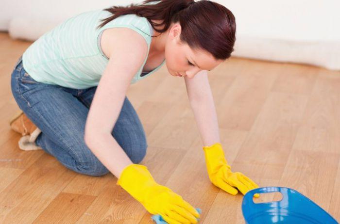 Приметы об уборке: почему нельзя мыть пол по вечерам