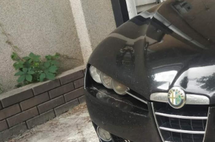 """Сеть хохочет: киевский водитель """"оригинально"""" спрятал номера авто"""