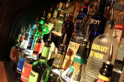 Даже небольшая доза губительна: назван самый вредный алкогольный напиток