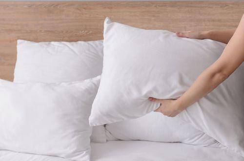 И никакой химчистки: как самостоятельно ухаживать за подушками