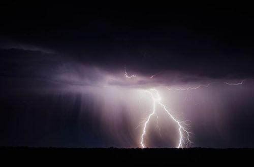 Реанимировали несколько часов: в Полтаве молния убила молодого мужчину