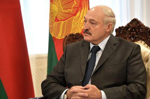 Лукашенко приказал армии отвечать на внешнюю агрессию без предупреждения
