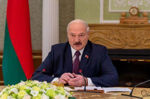 Лукашенко окончательно прогнулся перед Путиным