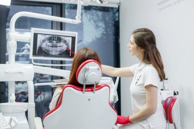Стоматолог перечислил основные причины потери зубов