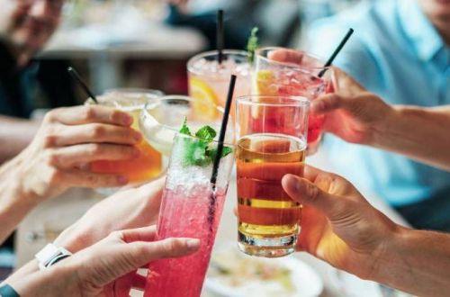 Названы причины, по которым не рекомендуется закусывать водку
