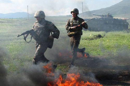 Масштабное наступление и обстрелы: что сейчас происходит в Карабахе