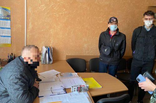 Проректора Сумского вуза поймали на взятке в 5 тысяч долларов