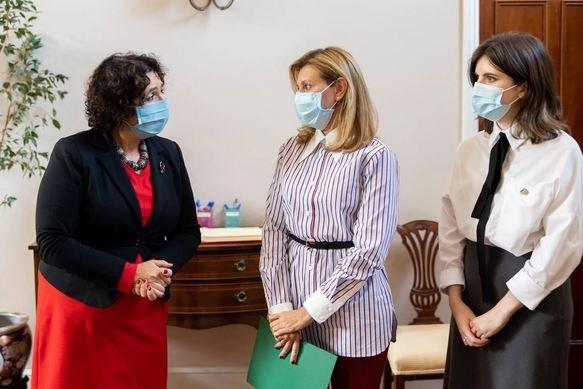 Зеленская на деловой встрече с женщинами-послами