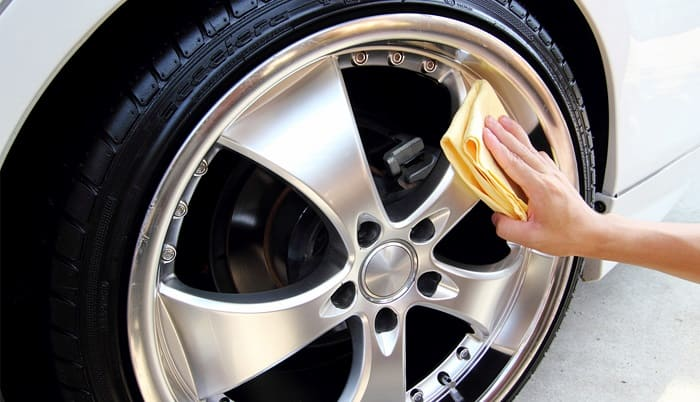 Химия для обслуживания колесных дисков: рейтинг