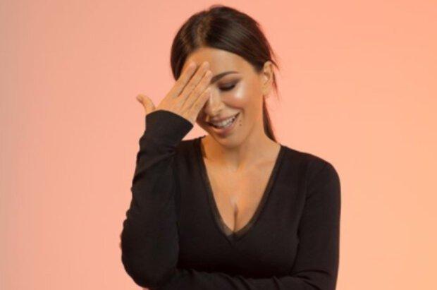 Ани Лорак ошеломила серьезными изменениями во внешности