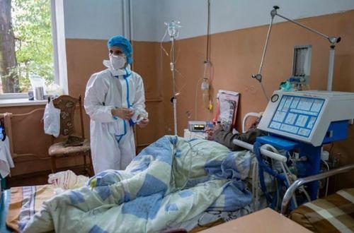 Минздрав готов признать поражение: Украина может обратиться к ВОЗ за помощью
