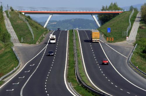 От Киева до Одессы за 500 грн: где в Украине появятся платные дороги